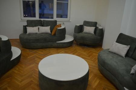 - Sıradışı formuyla mekanı süsleyen Karaturan ailesinin koltuk takımı (1)
