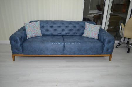 Yıldırım ailesi 2 kanepesi yatak olabilen Mavi Chester'ı tercih etti