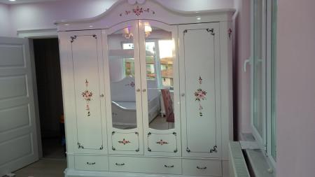 - Ekinci ailesinin avangart genç odası seçimi (1)