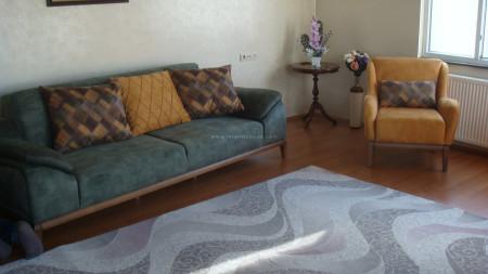 Ceyhun ailesinin yeşil-hardal yataklı oturma grubu seçimi