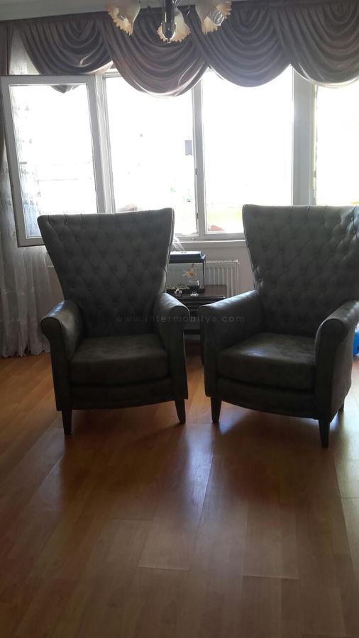 Yılmaz ailesinin modern tv ünitesi ve yeşil nubuk chester koltuk takımı