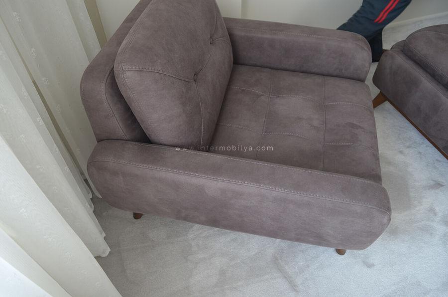 Yağlı ailesinin antrasit renkteki mekanizmalı koltuk takımı