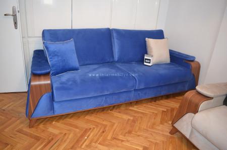 Şenpekmezci ailesinin mavi-krem tonlarındaki oturma odası (1)