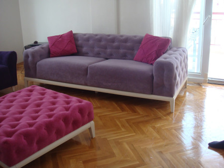 Gündüz ailesinin renkli ve keyifli chester koltukları (1)