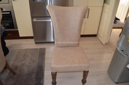 Topçu ailesinin mutfakları için aldıkları camel nubuk sandalye (1)