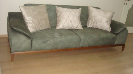 Aydın ailesinin yatak olabilen yeşil-krem oturma grubu ve zigonu (1)