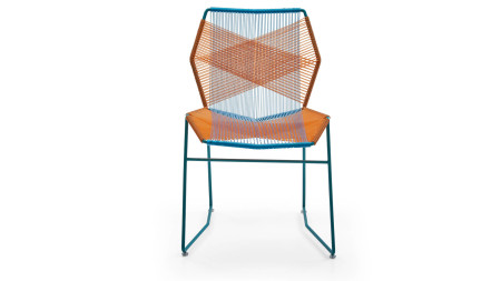 Sekizgen Turuncu-Mavi Örgülü Kırmızı Metal Sandalye (1)