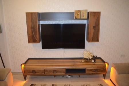 - Onat ailesinin ledli ahşap kaplamalı tv ünitesi
