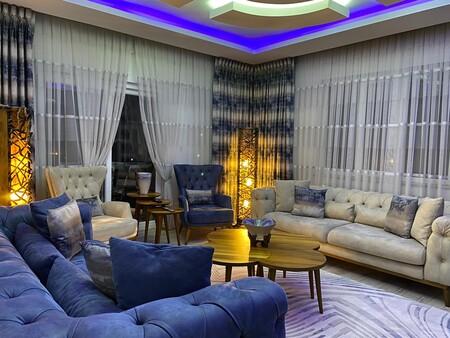 - Türkbeyler Aile'sinin Oturma Odası