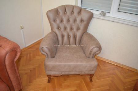 Kuyucu ailesinin sıcak ve samimi oturma odası (1)