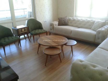Doğa renklerinin huzuru Barut ailesinin oturma odasında